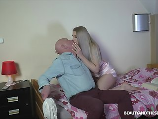 Blonde relative to fine ass, senior porn at one's disposal lodging relative to grandpa