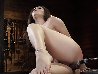 Curvy girl is bleat while fucking machine drills her cunt
