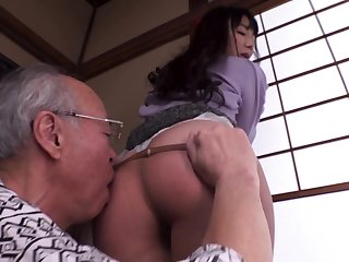 Young blonde gives blowjob and titjob to ancient guy