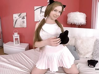Pretty kitty Alice Klay is playing with juicy pussy in statute of camera